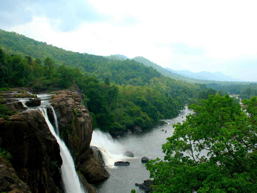 Cherai- Athirapally- Munnar-Houseboat,5Night-6Days-Tour Package